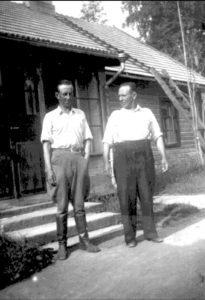 Martti Tolsa ja Mooses Sipilä, Rakilan vartiotornin päälliköt. Seija Tolsan arkistot.