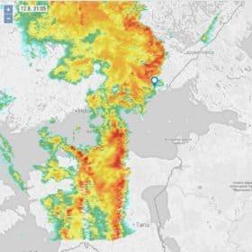 Klo 21:05. Sataa yltyen. Ei merkintöjä, mutta 10 minuutin liike näytti tukevan reittiä eteklästä pohjoiseen.